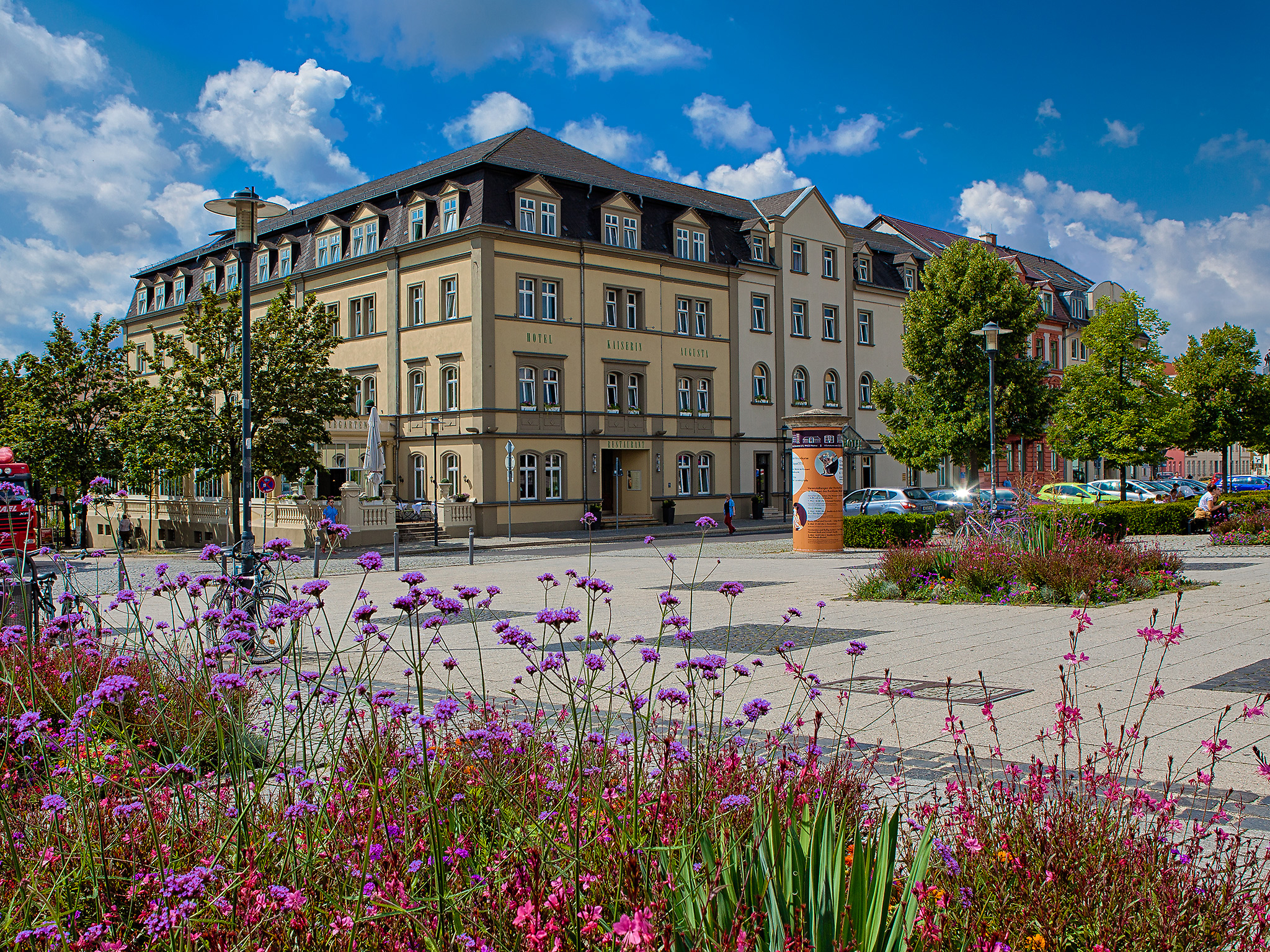Our hotel is centrally located on August-Baudert-Platz.